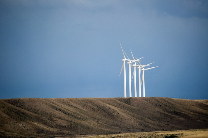 A national report calls on Congress to extend the production tax credit to allow wind energy continued growth and benefit for the economy and the environment