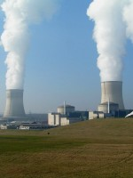 French government proposes law to reduce nuclear power by 25 percent