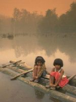 indonesia forest fires children on lake greenpeace