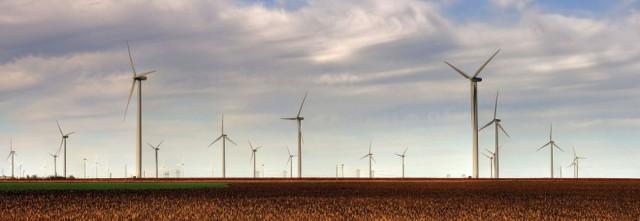 The Smoky Hills Wind Farm in Kansas. Drenaline/Wikimedia Creative Commons.
