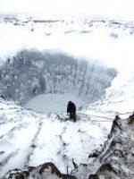 crater-siberia-november-2014-Vladimir-Pushkarev-Siberian-Times-e1425922635305