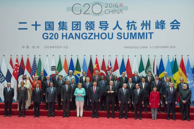 Secretary-General Ban Ki-moon at the Opening Ceremony of the G-20. Group Photo of G20 Leaders.
